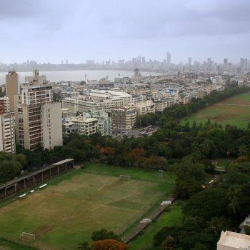 INDIEN-Mumbai-Oval Maidan mit Nariman Point und Bombay's Skyline