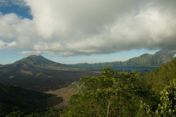 Indonesien-Bali-Mount Batur mit See