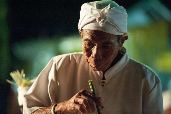 Indonesien-Bali-Priester