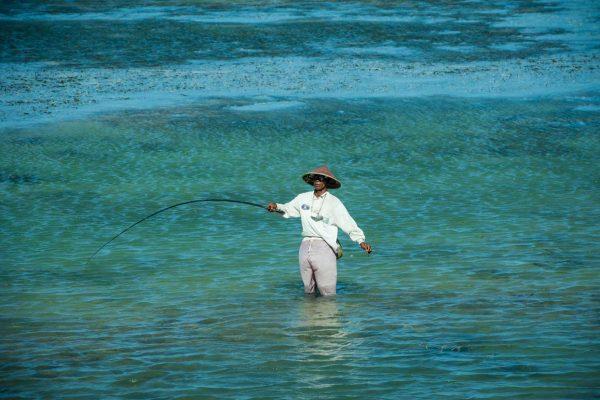 Indonesien-Bali-Fischen in Sanur
