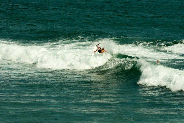Indonesien-Bali-Wellenreiter