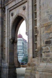 INDIEN-Mumbai-Taj Mahal Palace Hotel am Gateway of India