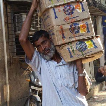 INDIEN-Mumbai-Geschäftiges Treiben