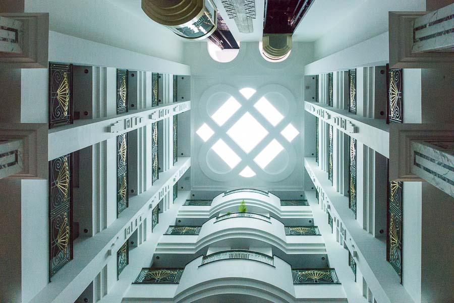 INDIEN-Mumbai-Marina Plaza Hotel - Lobby mit Blick zum Pool