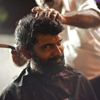 Kopfrasur als Opfer / shaving the head, a Mundana