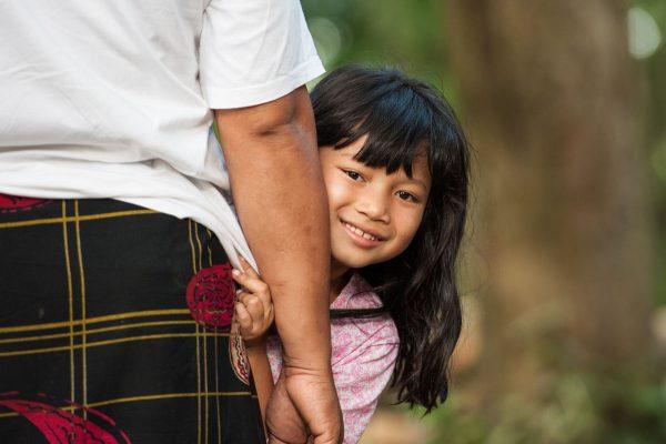 Indonesien-Bali-kleines balinesisches Mädchen