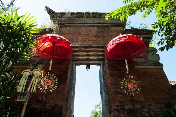 Indonesien-Bali-balinesische Schirme