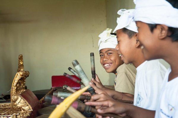 Indonesien-Bali-Musikschüler