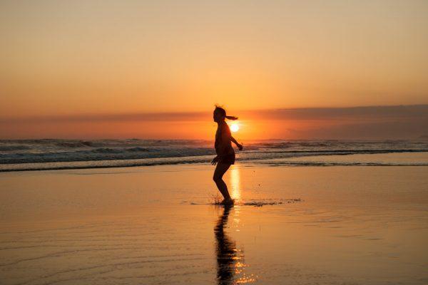 Indonesien-Bali-Strandgefühle in Seminiak