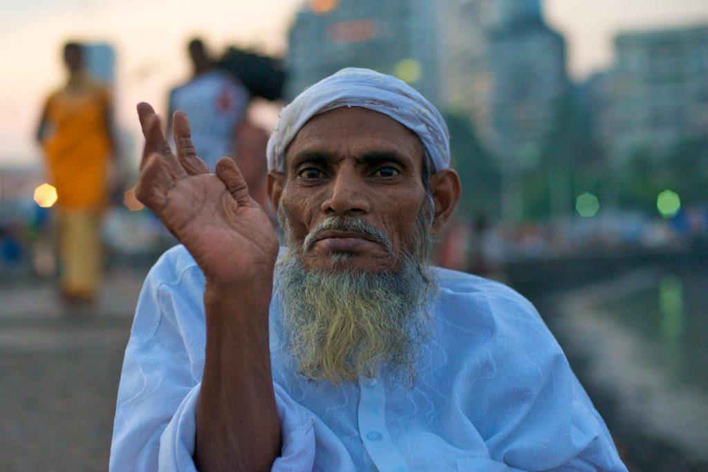 InINDIEN-Mumbai-Rahman und Haji Ali