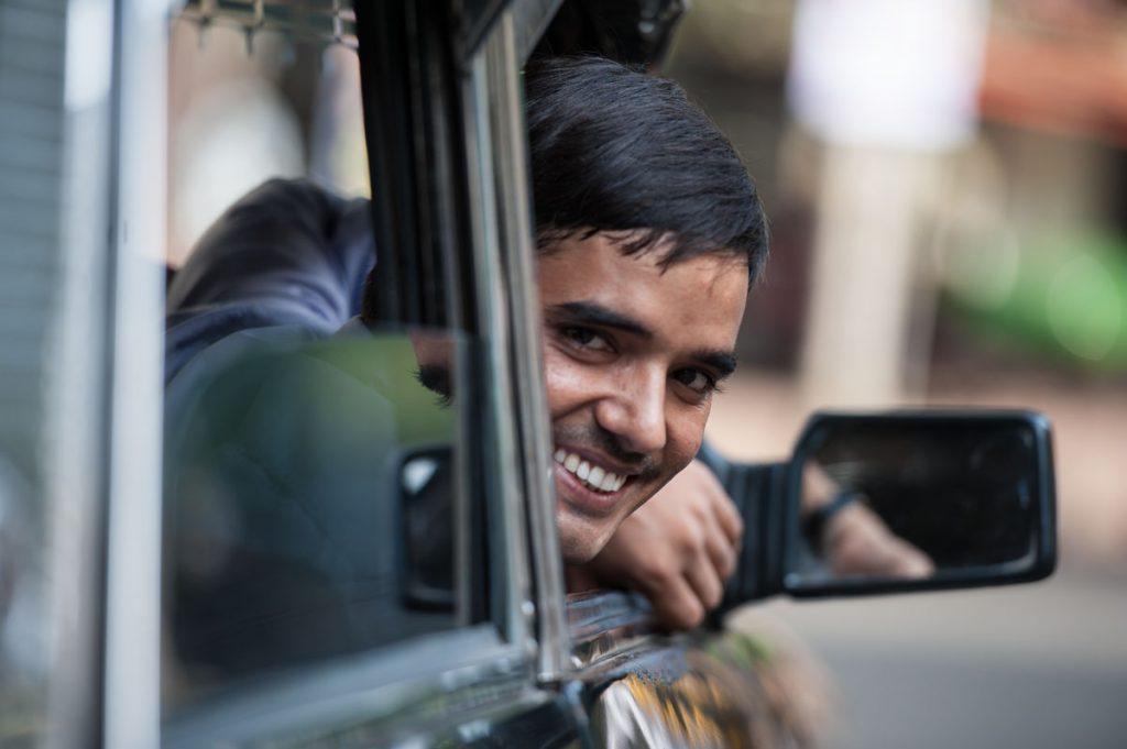INDIEN-Mumbai-sympathische Taxifahrer in Bombay