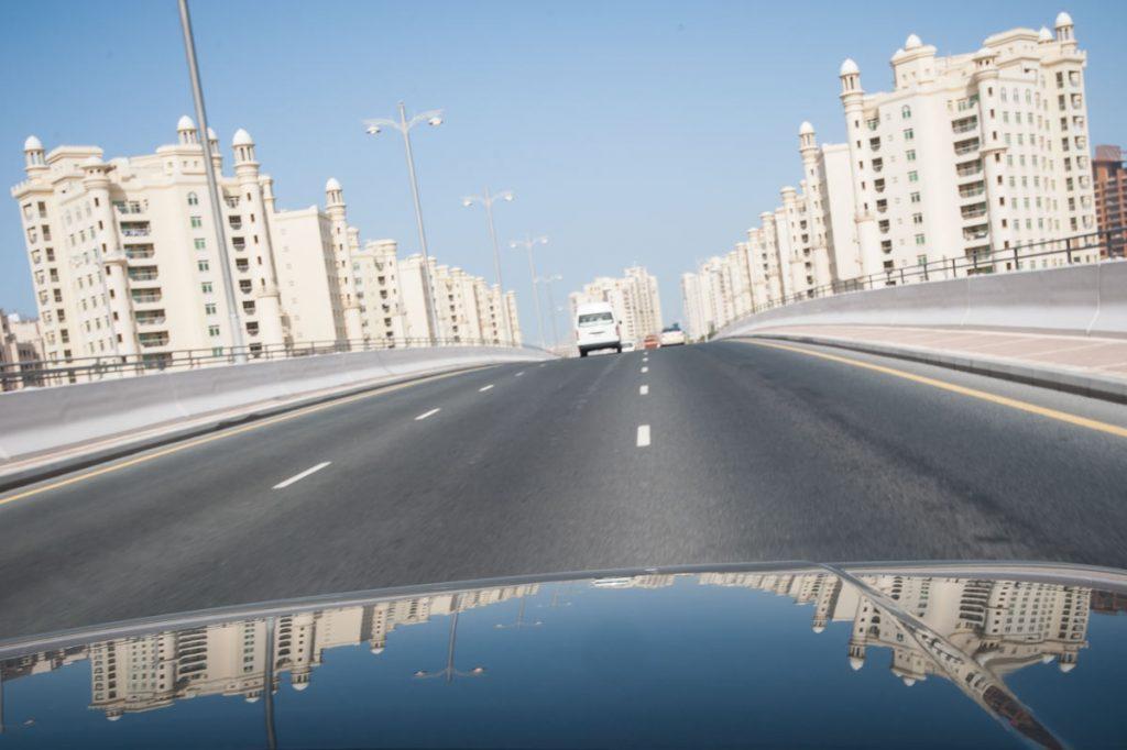 VAE-Dubai-Zufahrt zur Palm