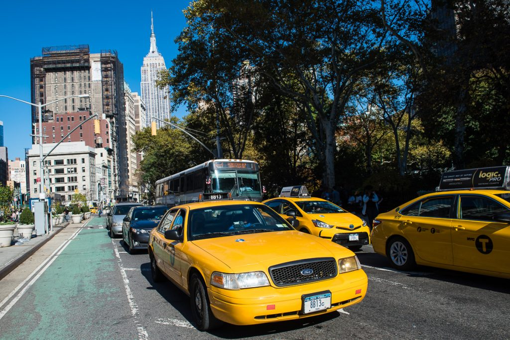 USA-NY-Taxi mit Empire State Building